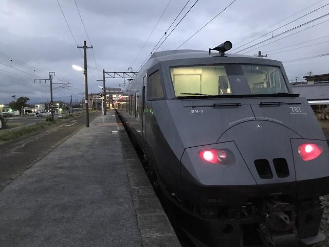 寂しい長洲駅2