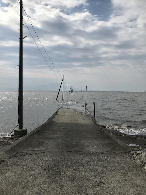 海への路正面