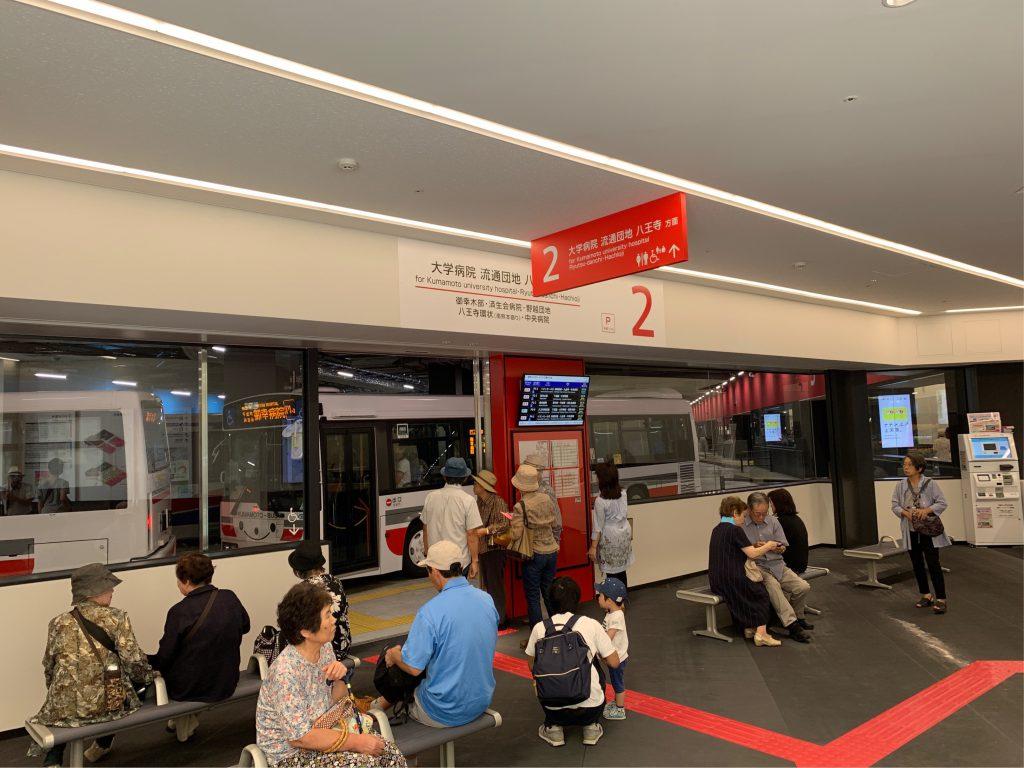 桜町バスターミナルの乗り場