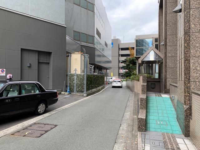 ホテル横の路地