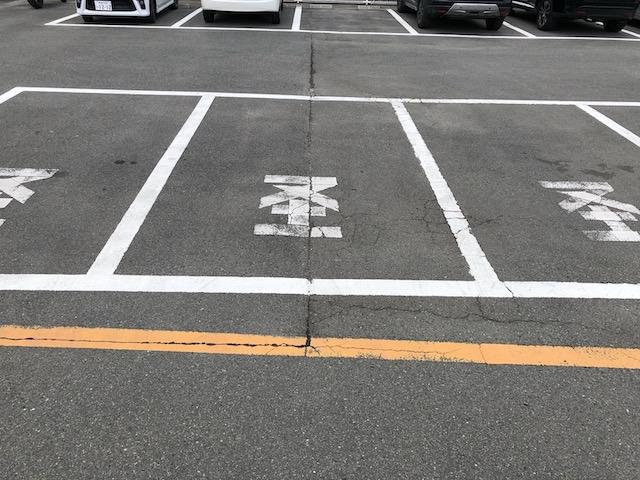 軽の駐車場